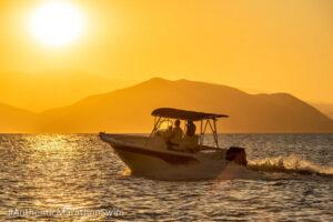 Αυθεντικός Μαραθώνιος Κολύμβησης: Κολύμβηση στα ιστορικά στενά του Αρτεμισίου